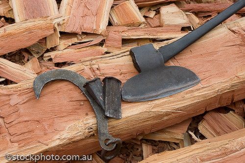 australia;axe;barham;broad;bush;chopping;cutter;entertainment;festival;gum;log;logging;murray;red;river;timber;timbercutter;tools;tree;wood;koondrook