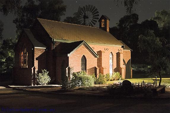 pioneer;settlement;swan;hill;victoria;old;old;fashioned;concepts;architecture;building;religious;building;church;horizontal;