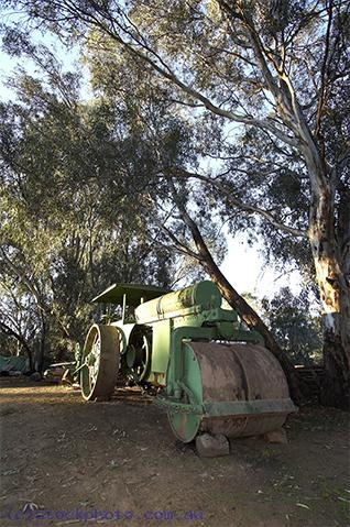 pioneer;settlement;swan;hill;victoria;old;old;fashioned;steam;roller;steamroller;steam;roller;machinery;road;EQUIPMENT-OBJECTS;construction;equipment;